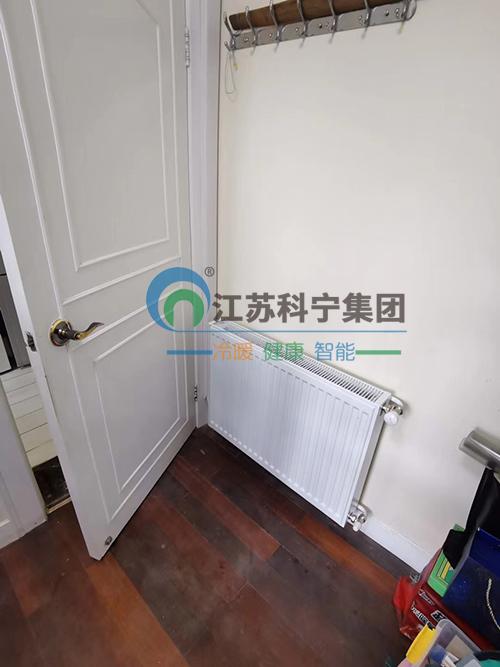 走进江苏科宁集团工地——育才公寓明装暖气片施工案例